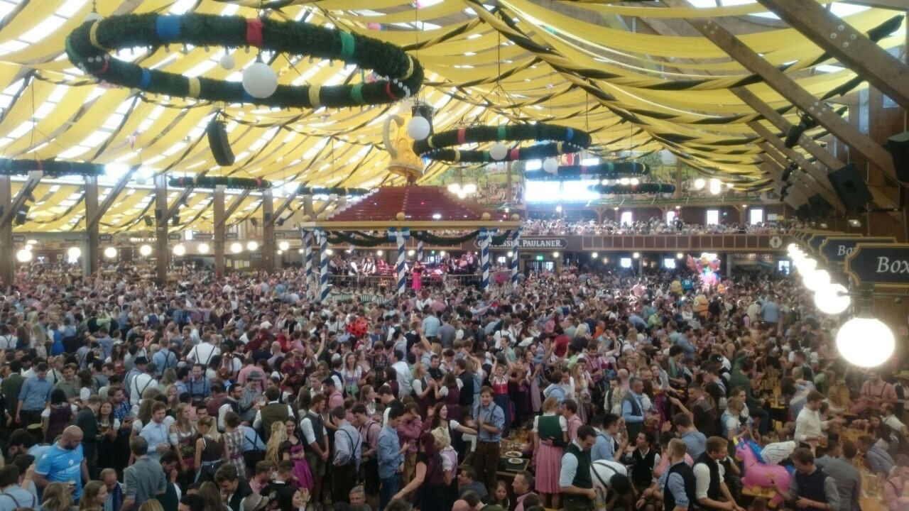 Oktoberfest Season: How to Avoid Hassles and Have an Enjoyable Time